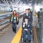 駅7番ホームでの車椅子介助体験